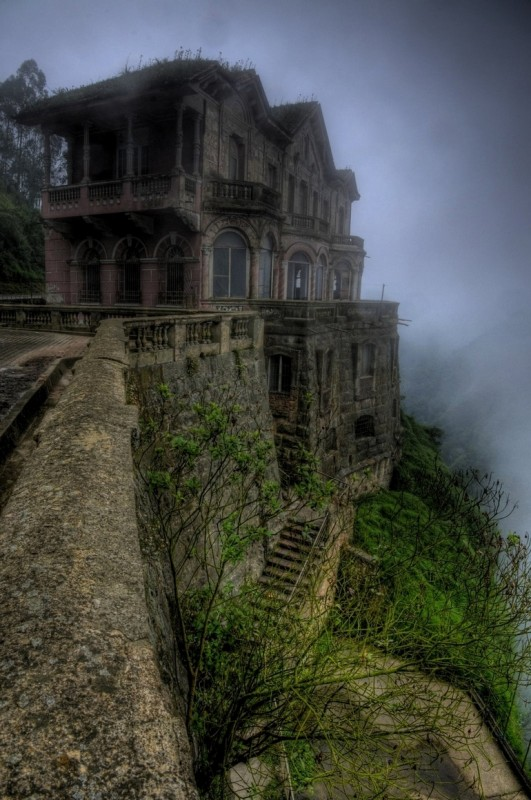 top-33-most-beautiful-abandoned-places-in-the-world-30