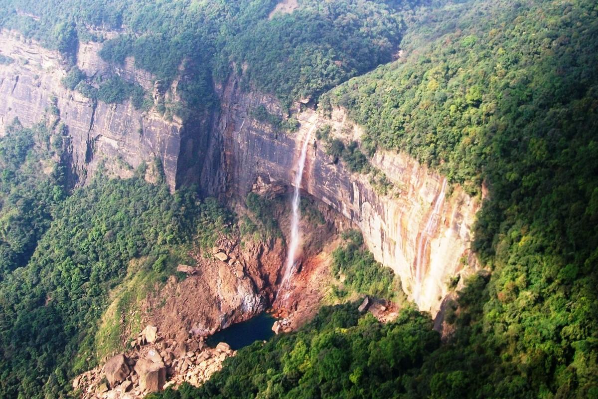 Nohkalikai Falls, Cherapunjee, India