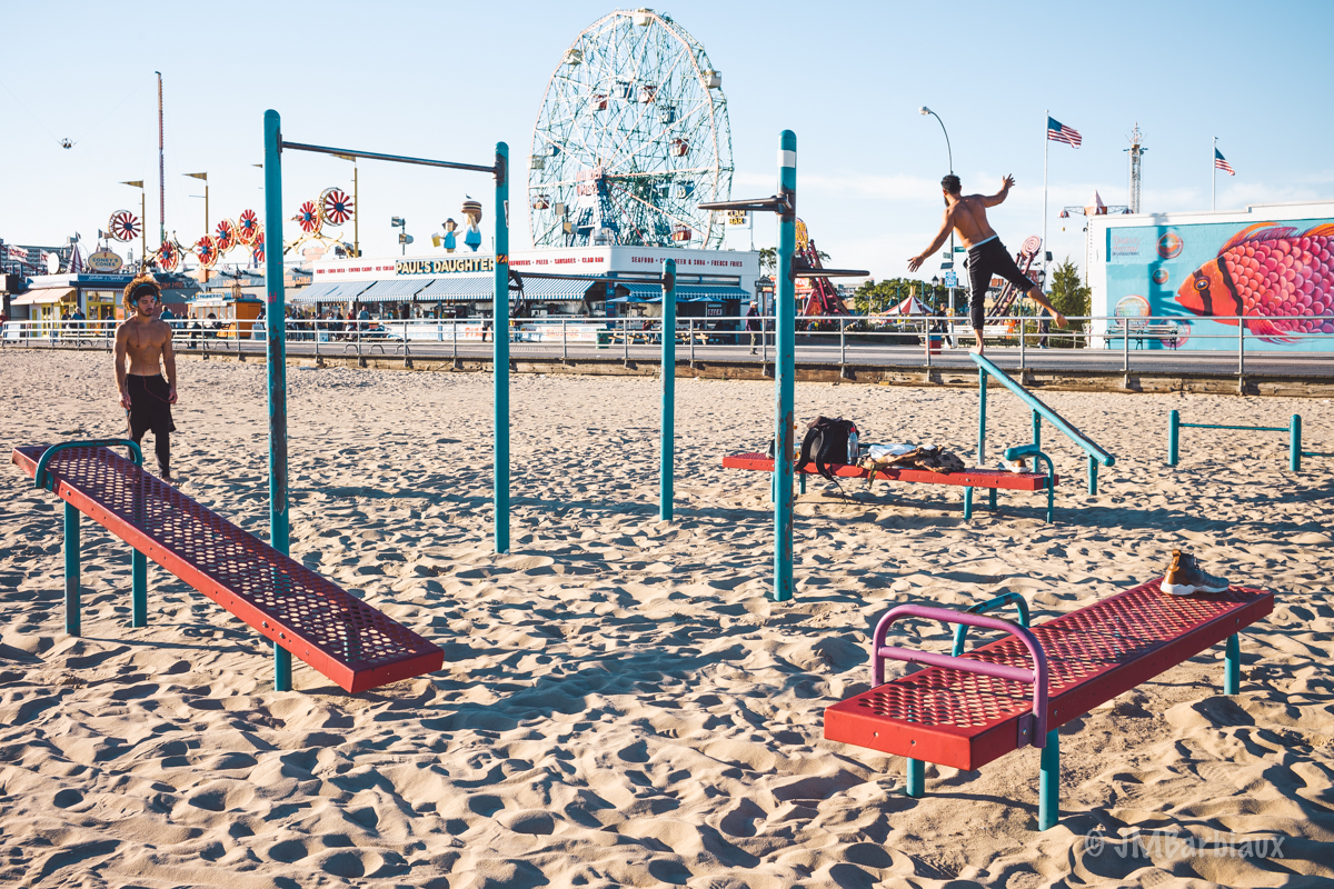 street photography, leica m, coney island, brooklyn, workout, balance, new york