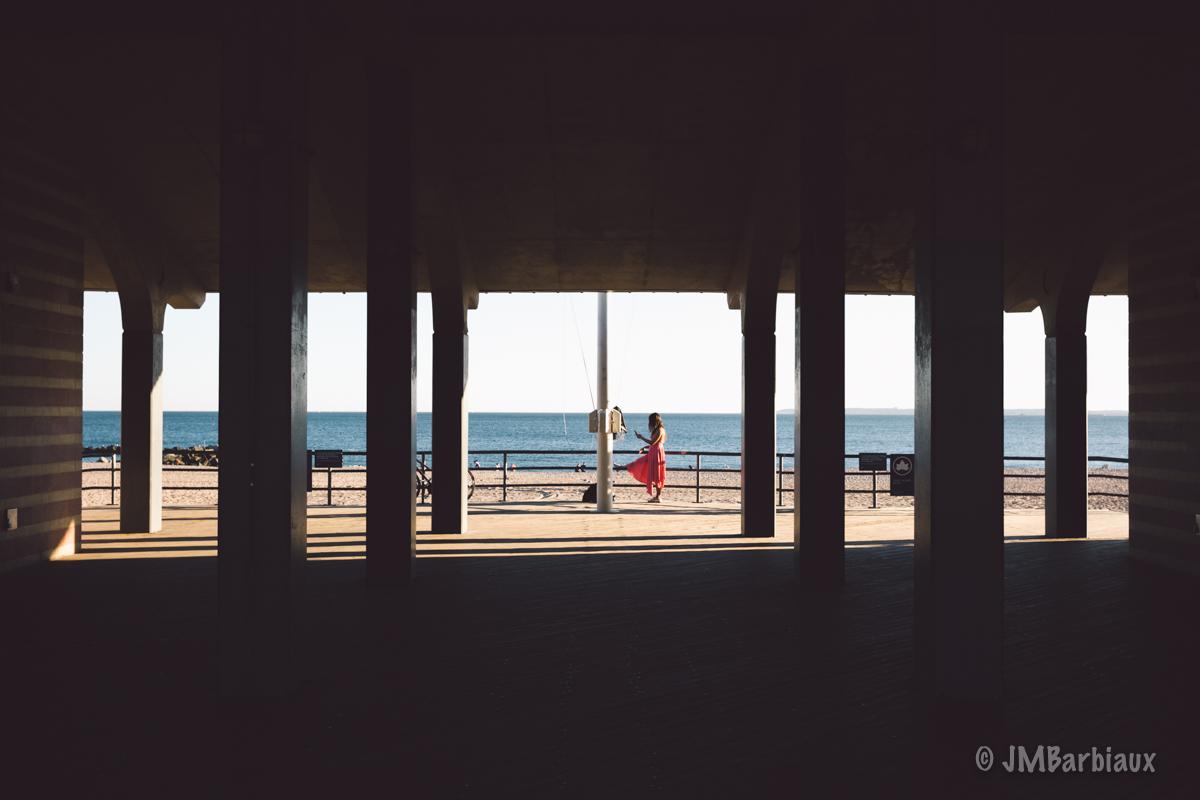 coney island, brooklyn, street photography, woman, beach, travel, leica